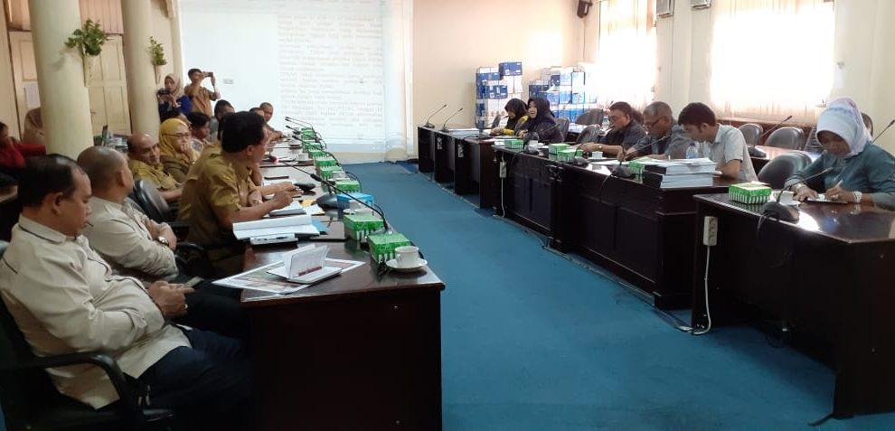 Komisi II Rapat dengan PERUMDA terkait dana untuk UPBB